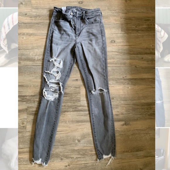 AMERICAN EAGLE size 4 next level stretch jeans